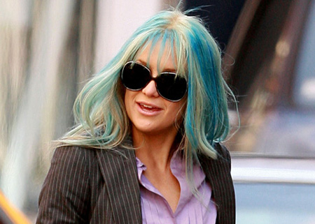 RESTRICTIONS APPLY: Kate Hudson with blue hair!